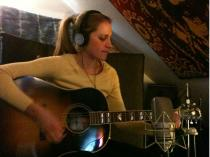 Sarah tracking acoustic @ StanzStudios
